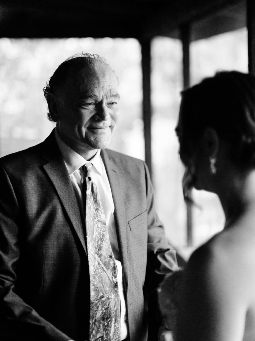 brides father crying
